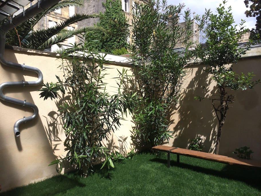 T3 jardin hyper centre appartements louer bordeaux for Location appartement avec jardin bordeaux