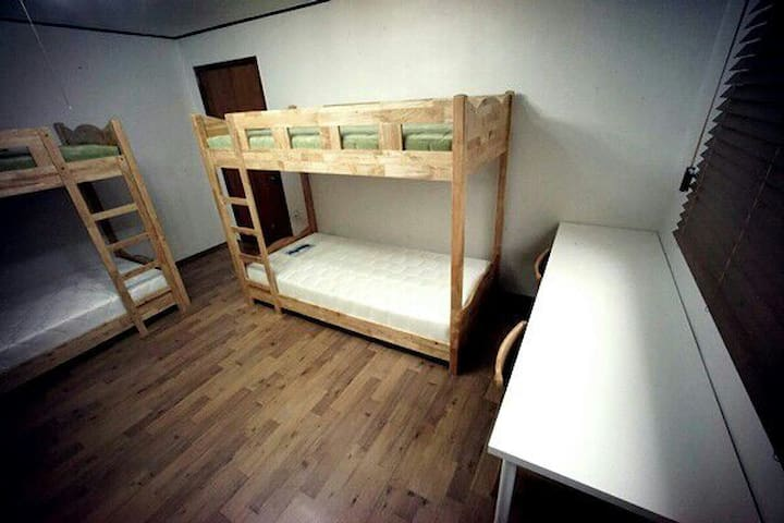 Built-in Guest house for 6 packers - 서울특별시 - บ้าน