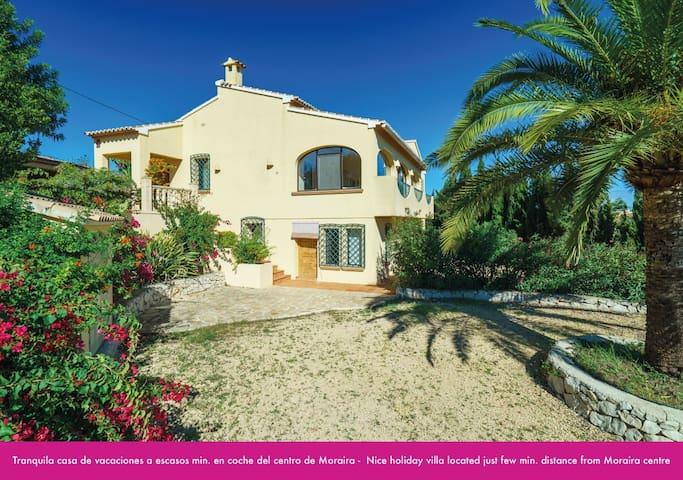 Bonita casa cerca de Moraira con piscina privada