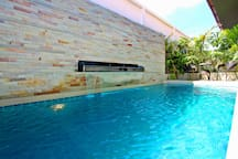 Deluxe 3 Bedroom 2 Bathroom Villa B16