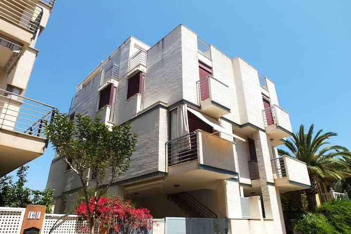 Triplex 2 steps away from the beach - Xilxes - Townhouse