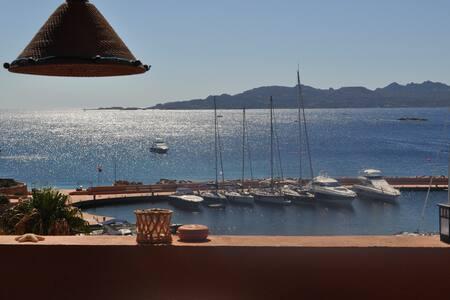 A window on Paradise @La Maddalena - Porto Massimo - Talo
