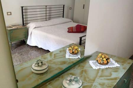 Appartamento in centro storico - Sarzana - Wohnung