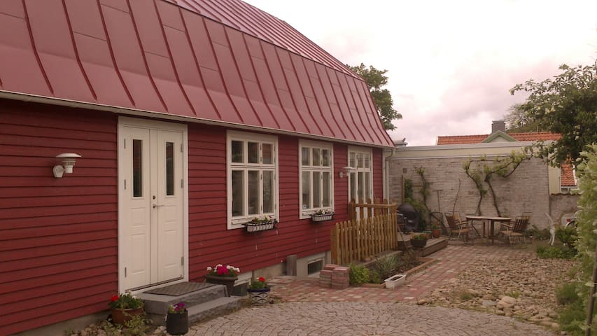 Centralt i Båstad - Båstad - วิลล่า