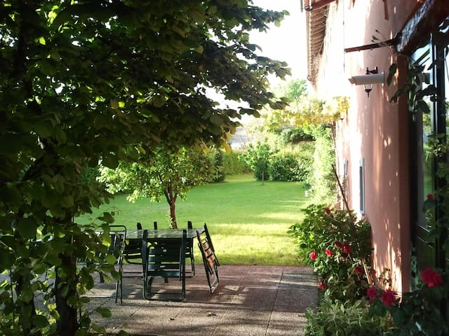Lovely Apartment with Garden - Pavia di udine - Haus