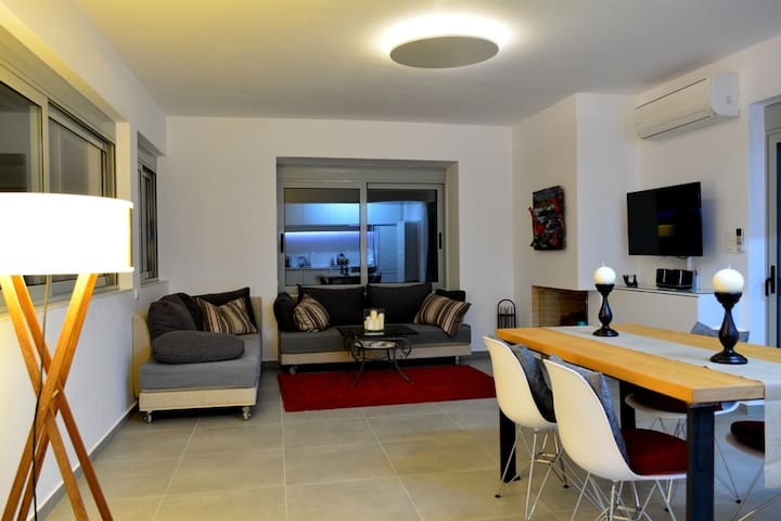 Modern-style apartment quiet centra - Lavrion - Pis