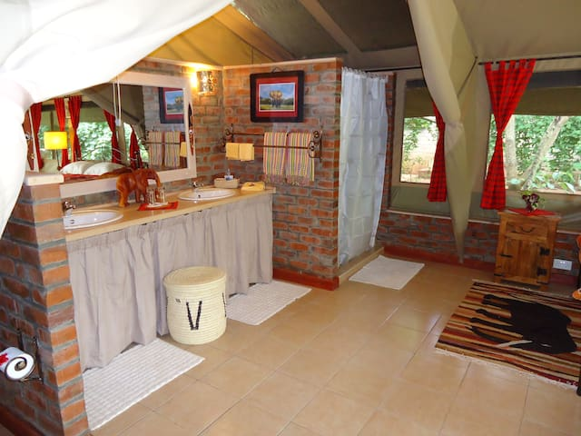 Anga Afrika Luxury Boutique Camp Nairobi