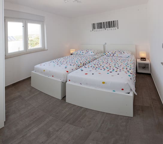 Second bedroom can be twin or king size