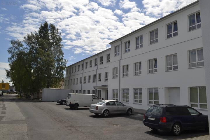 Room next to Shopping Centre Kaubamajakas - Pärnu - Apartament