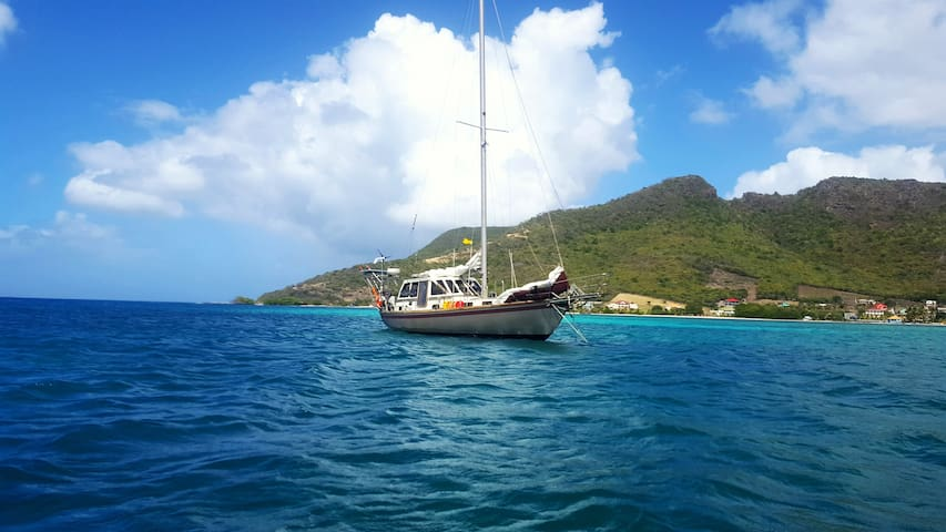 2 guests-Dreamed YACHT STAY- Room#5- Grenada
