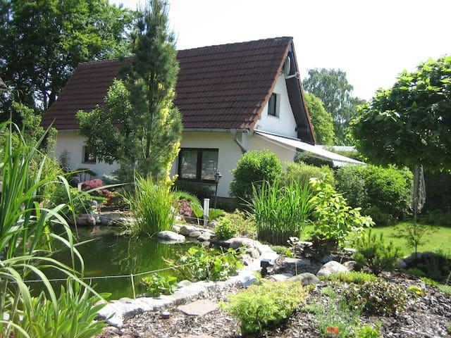 4 Pers. Ferienhaus Teich & Garten - Plau am See - Dom