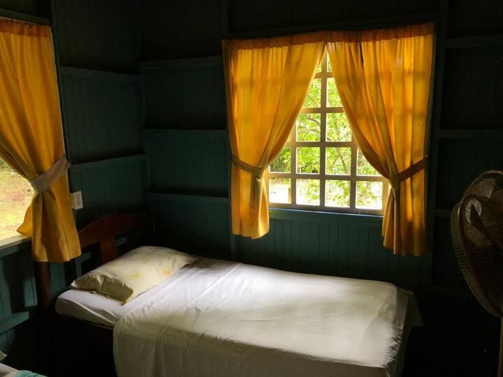 habitaciones al lado de Parque Cabo Blanco
