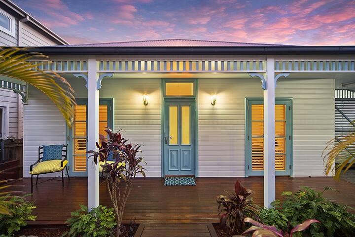 Heritage Beach Side House - Fairlight