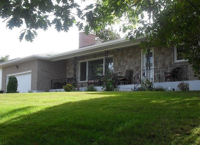 4 bedroom home in Dieppe (wheelchair accessible)