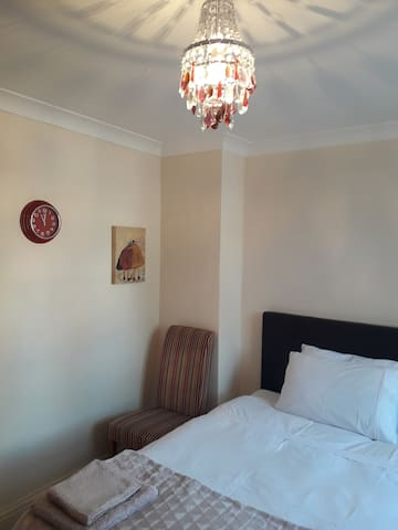 Comfortable, room in the city centre of Reading