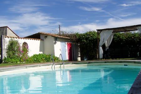 Family home & pool in Dordogne - Joubertias