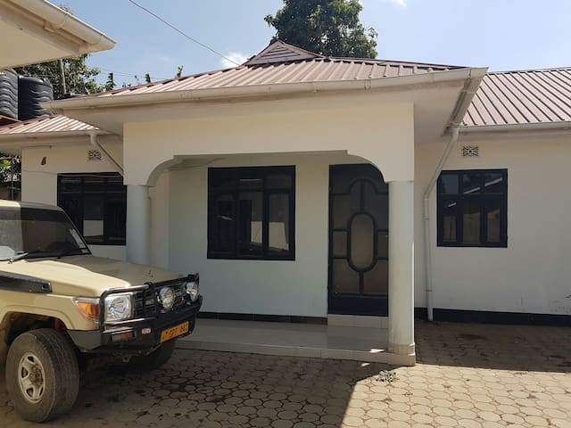 Very quiet place to enjoy your time - Arusha - Huis