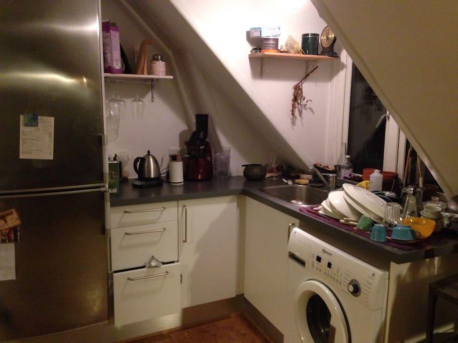 kitchen and wash machine