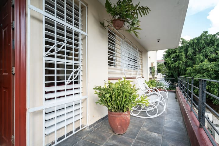 *PRIVATE ROOM IN THE CENTER OF VEDADO*
