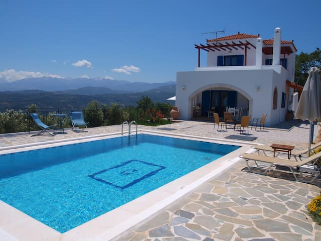 Villa big pool& amazing seaview,2 bedrooms,BBQ - vouves