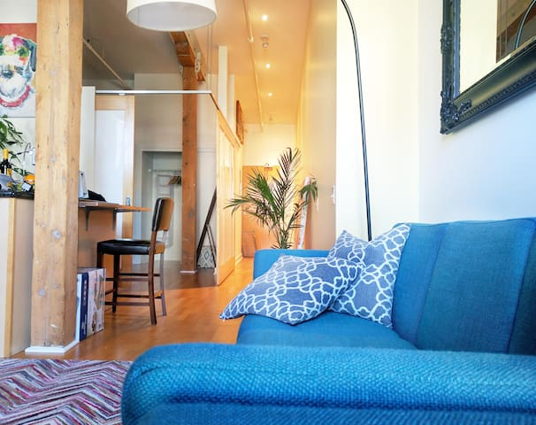 Old town loft in St. Lawrence Market!