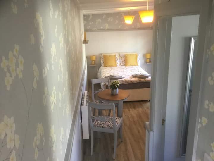 Cottage 2 @6