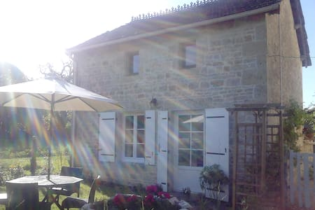 Quality furnished detached cottage. - Melle - Casa