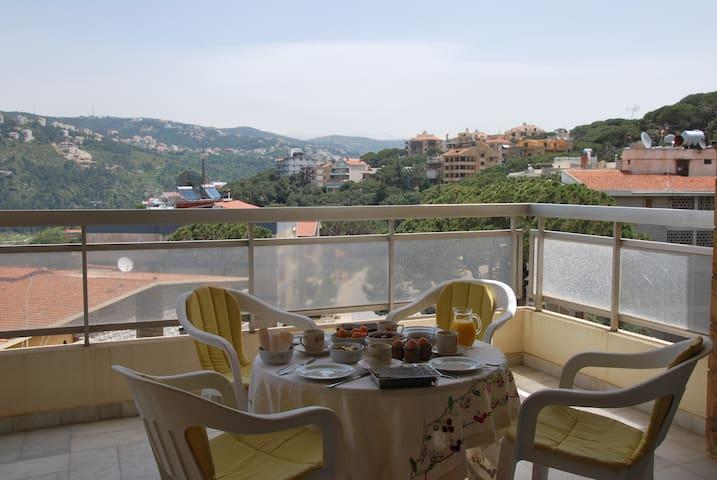 220m² avec terrasse, vue magnifique
