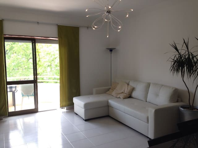 One bedroom flat in Feijo Almada - Almada - Apartment