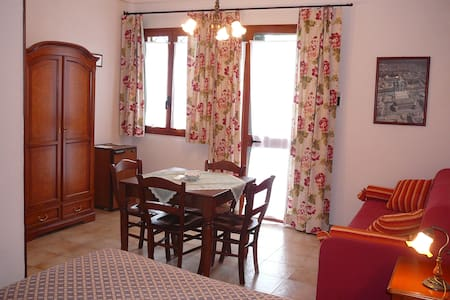 lovely quiet rooms in a lemon grove near  Siracusa - Siracusa - Bed & Breakfast