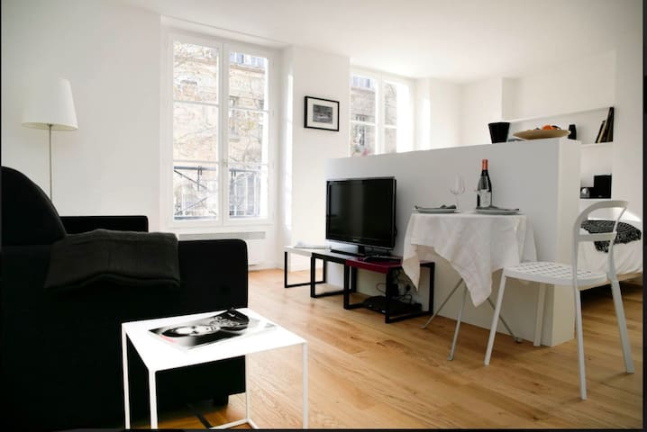 30 m2 studio in trendy Haut Marais