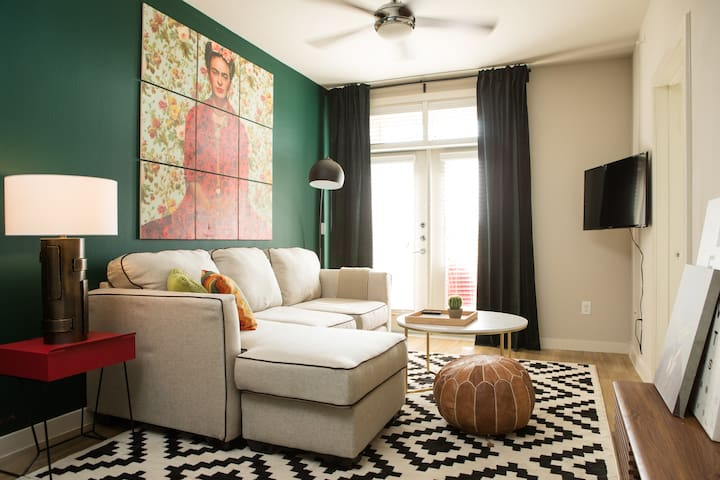 Luxe 1BR North Austin Apt #204 by WanderJaunt