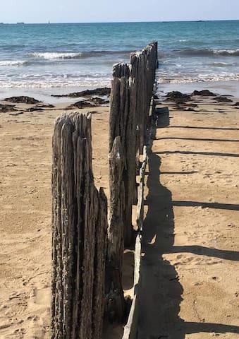 brises lames plage du sillon à Saint-Malo vieille ville