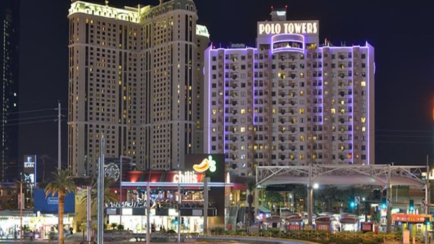 Stay in the center of the world famous Vegas Strip