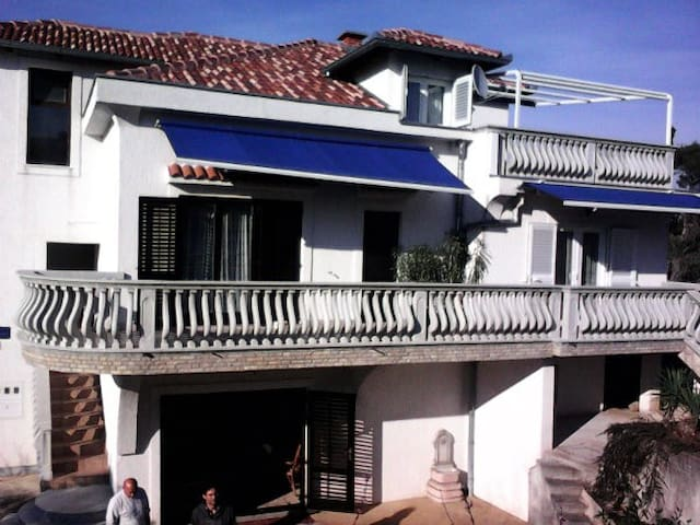 Dolac Beachside Studio - Drage - Lägenhet