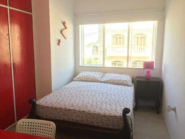 DOUBLE BEDROOM 20 EUROS!!! - Swieqi - Huis