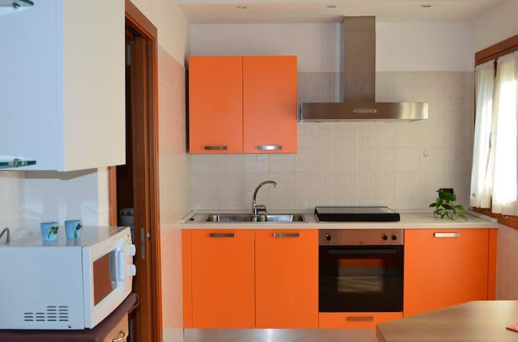 APPARTAMENTO Attico Arancio relax e tranquillità - Faver - Apartemen