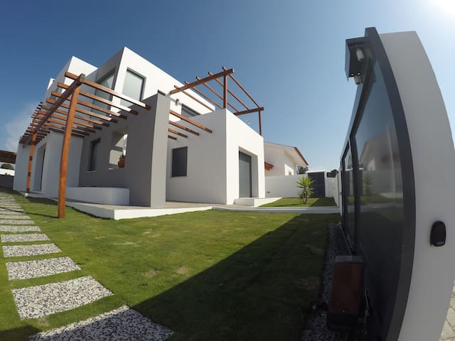 4 bedrooms vila at 3 km from beach - Carvalhal