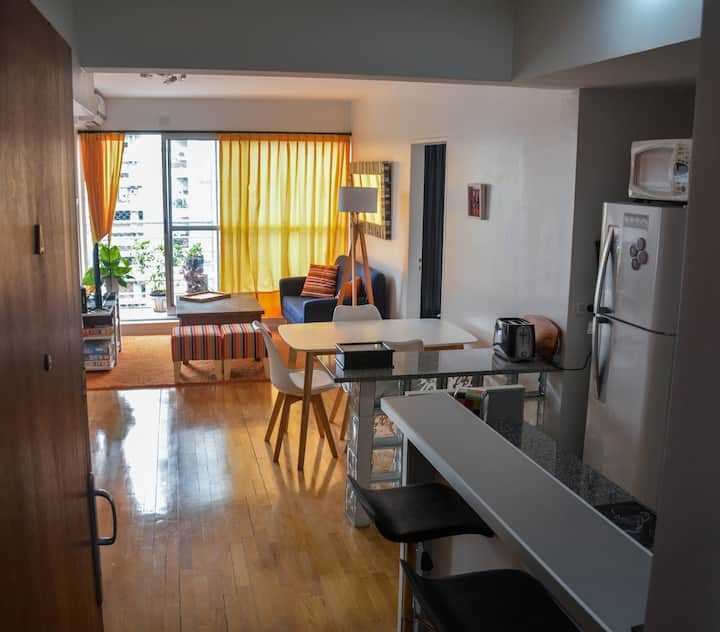 GREAT LOCATION, BRIGHT AND WELL-EQUIPPED APARTMENT