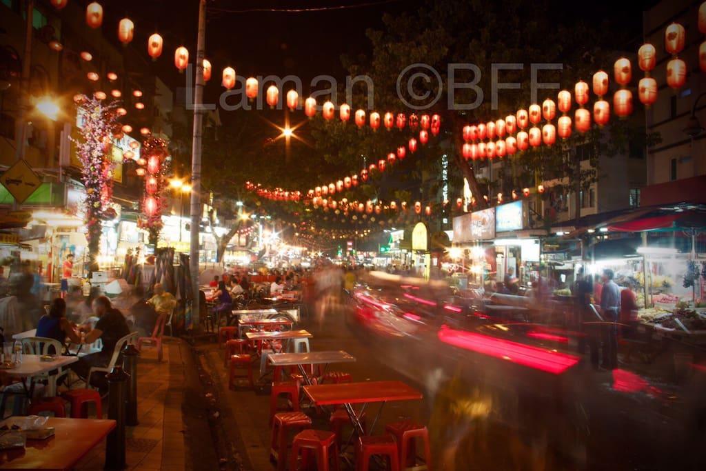 5min walk away from Jalan Alor with variety of local foods.