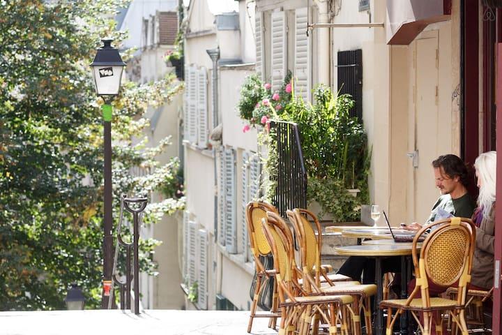 Lovely nest in Montmartre, Paris