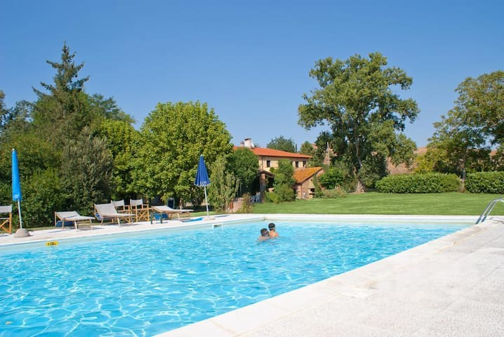 Country house with pool in the countryside - Peccioli - House