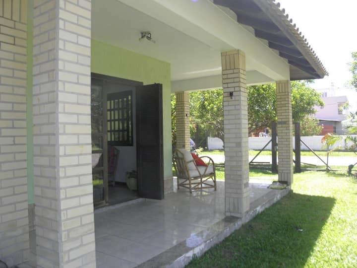 Casa com Piscina - 3 quartos