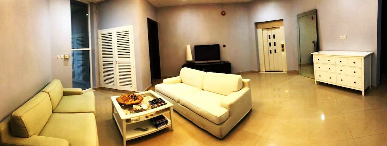 STUNNING SUMMER DEAL-AMAZING MASTER BEDROOM-DUBAI!