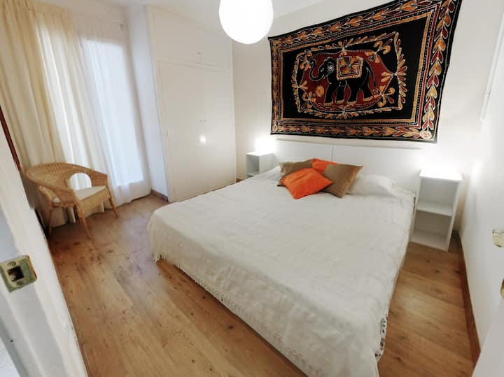 Apartment in Sitges + WIFI + air conditioner!