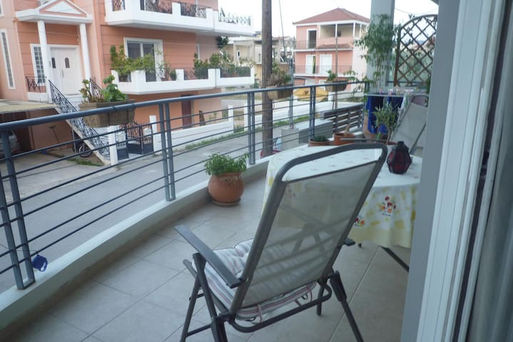 Bright, Spacious & quiet flat in Nafplio