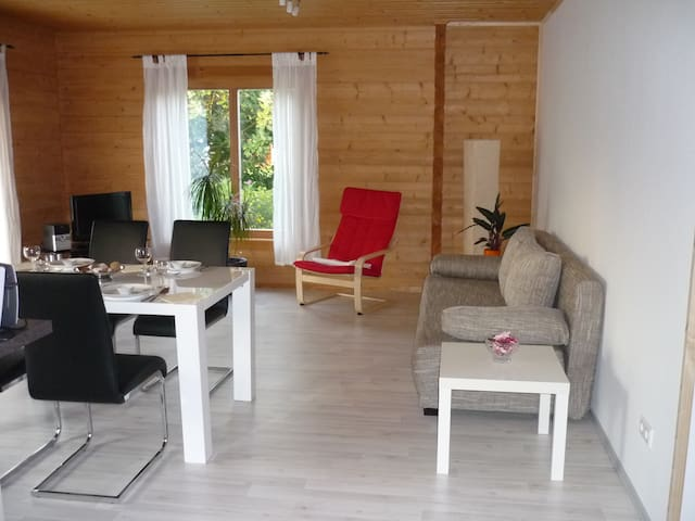 Apartment Limburg im Holzblockhaus - Holzmaden - Lejlighed