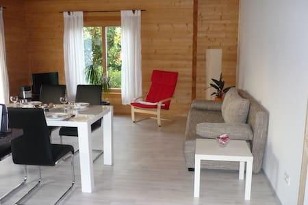 Apartment Limburg im Holzblockhaus - Holzmaden