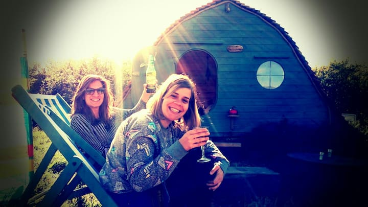 St.Ives Glamping -  The hobbit house