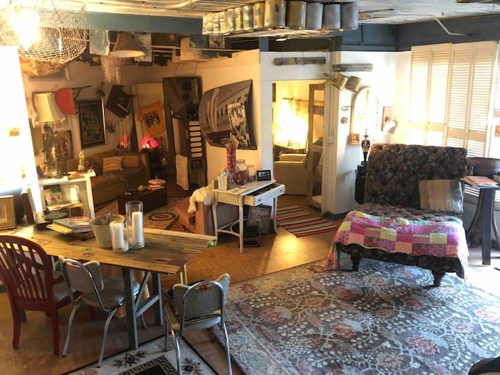 Vintage Casita: Steps Away from Historic Ybor
